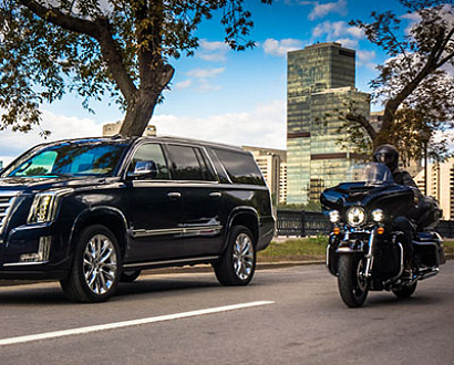 Тест Harley-Davidson FLHT и Cadillac Escalade: King Size